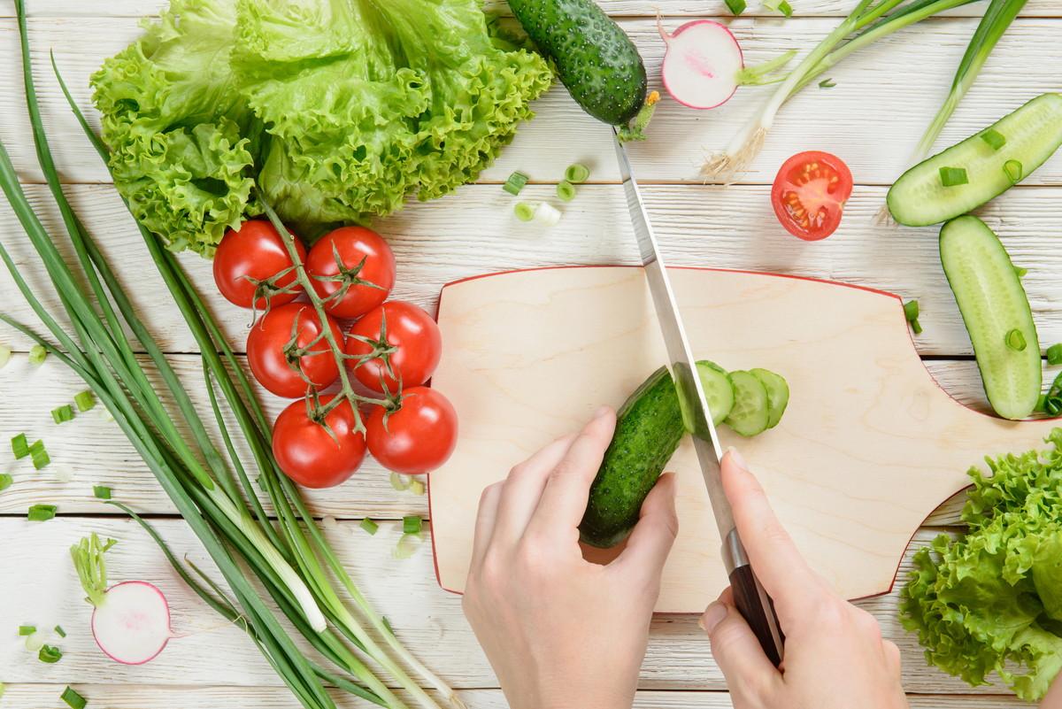 食費を簡単に楽しく節約する秘訣とは。今日から使える実践方法