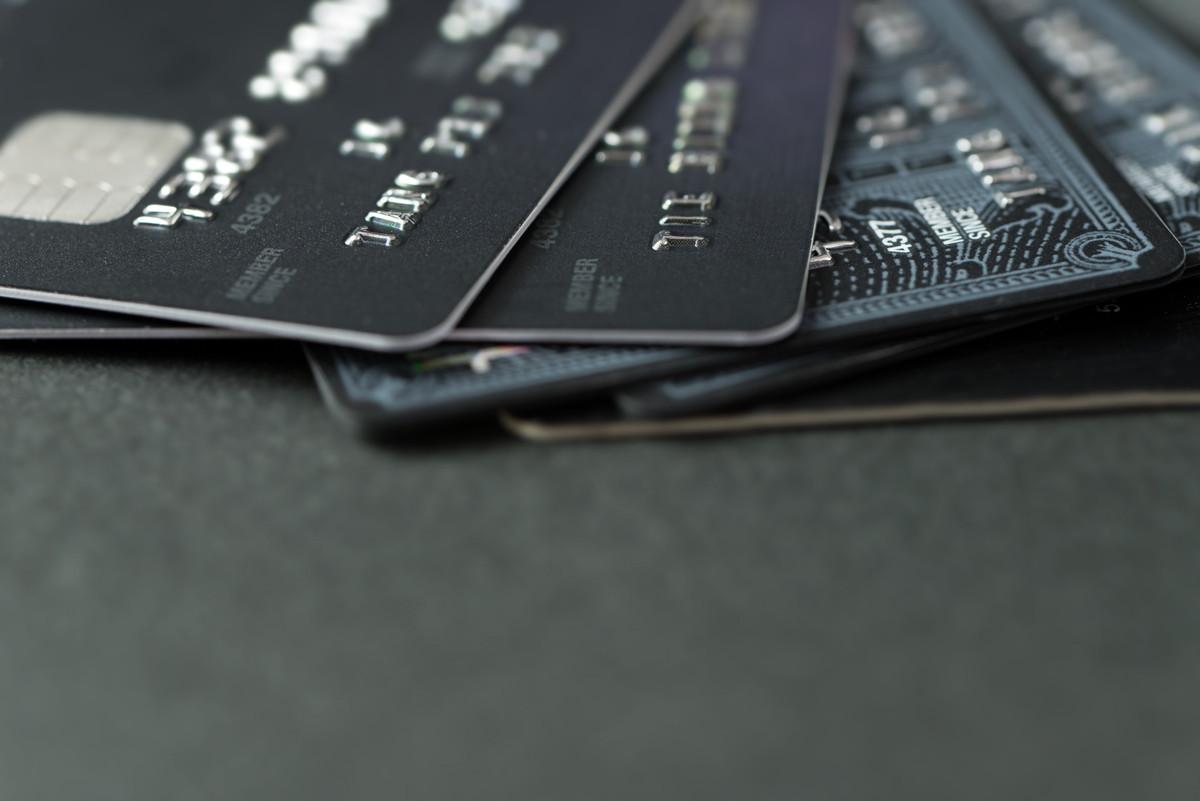 学生がクレジットカードを作るための審査基準やメリットとは
